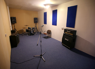 Groovy Voltage Studios Music Recording And Rehearsals Bradford Hairstyle Inspiration Daily Dogsangcom